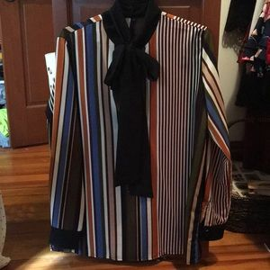 Striped blouse that ties